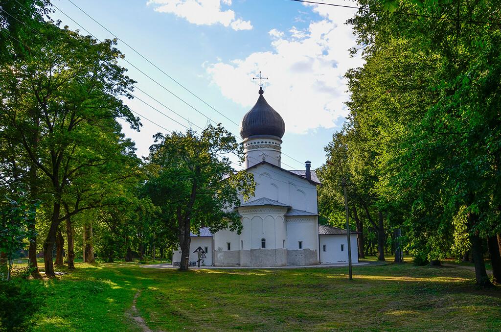 православный храм в Гдове